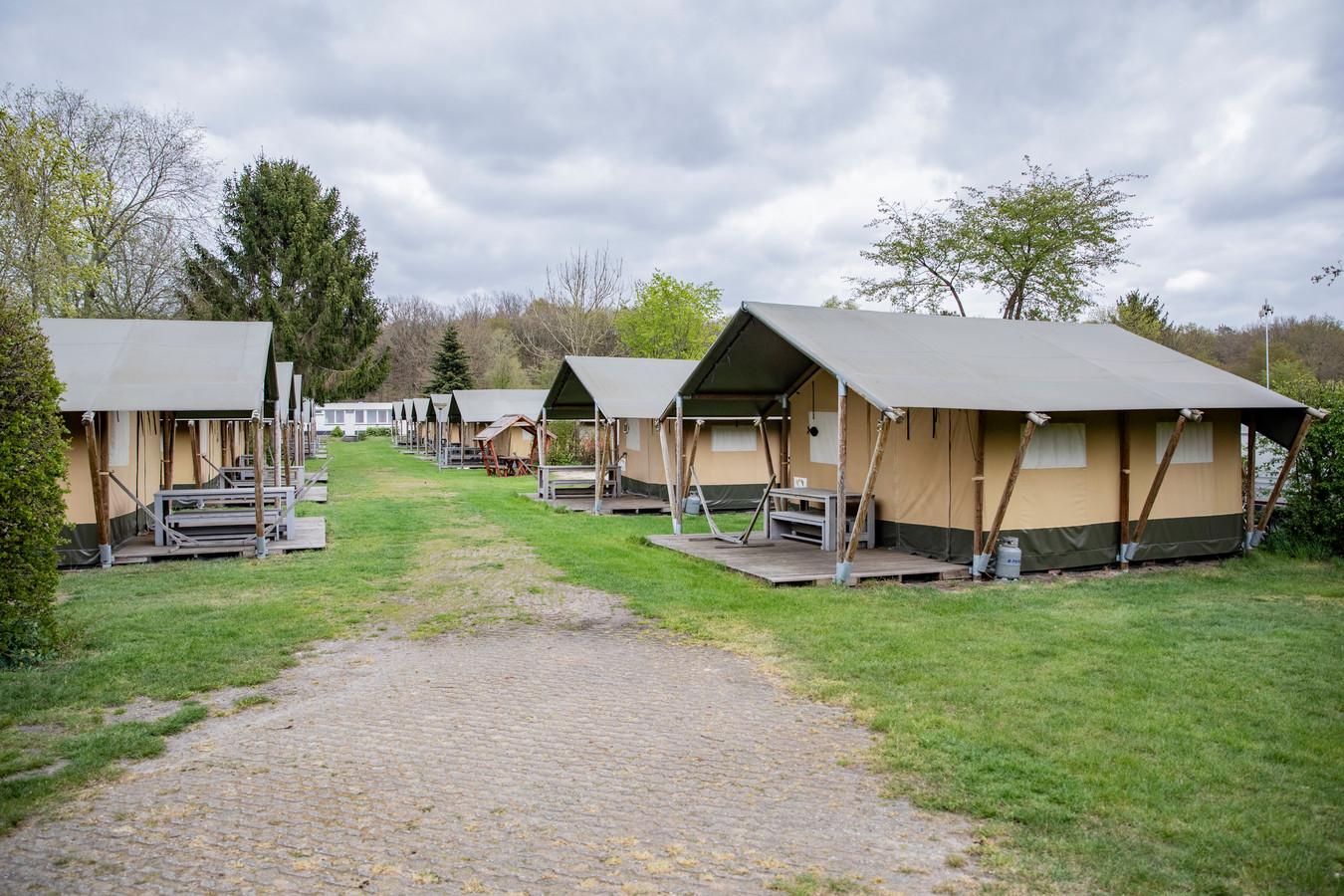 Hoewel in de zomer de vakantie in eigen land nog redelijk doorgang konden hebben, waren ook vakantieparken lange tijd op slot.