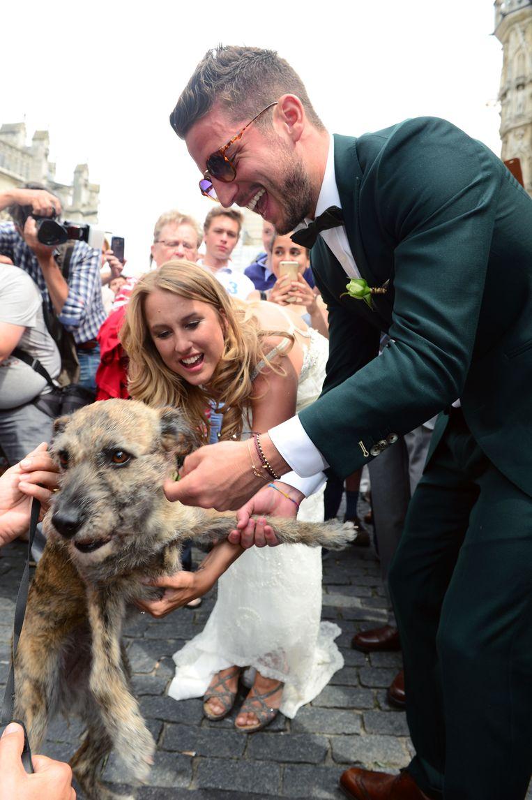 Dries Mertens en Katrin Kerkhofs trouwden in 2015 in het historische stadhuis op de Grote Markt in Leuven. De echte ster van de dag werd hun hondje Juliette.