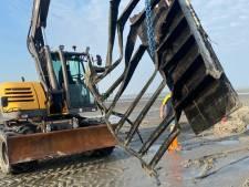 Laatste deel van 342 overboord geslagen containers MSC Zoe uit Waddenzee gehaald