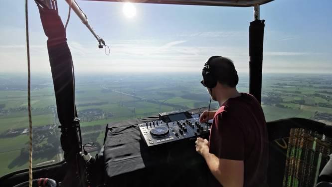 """Herentalse DJ WOEFBASS draait plaatjes in 's lands grootste luchtballon: """"Unieke ervaring omdat nog weinig dj's dit me voordeden"""""""