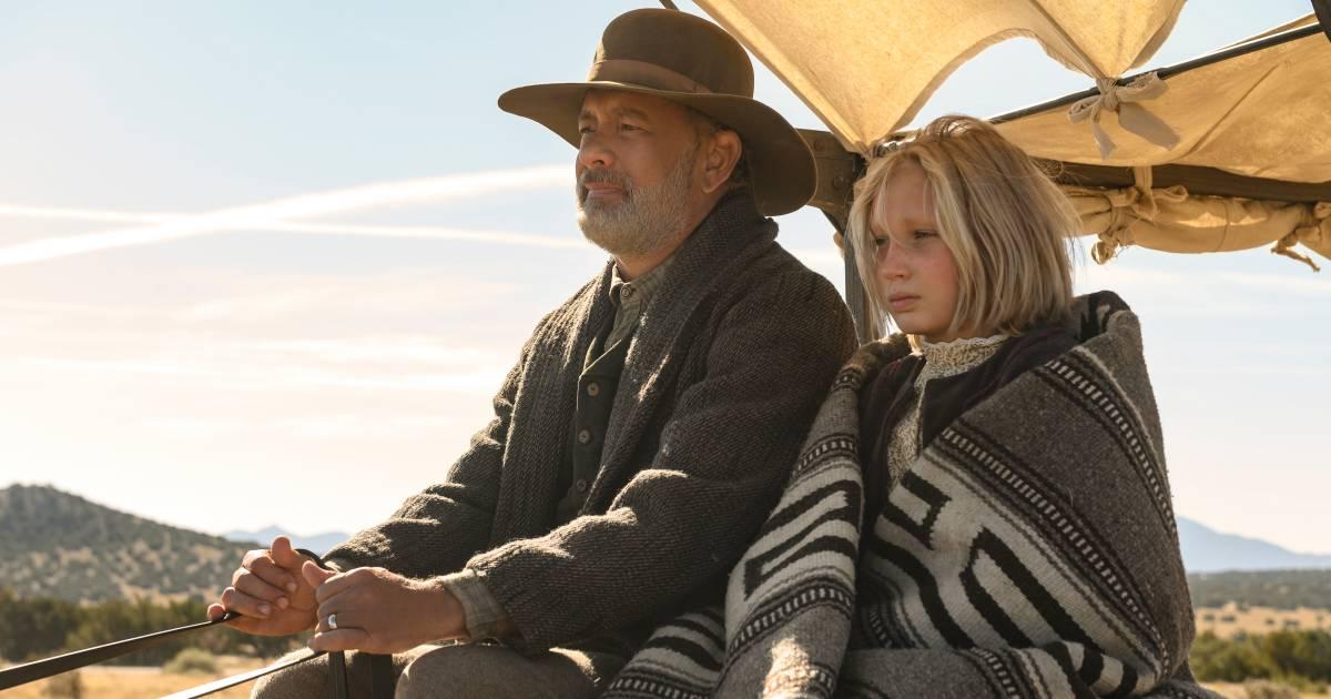 Tom Hanks schittert in western naast doodstille, piepjonge actrice - AD.nl
