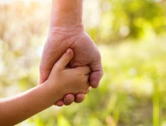 Internationale adopties blijven afnemen