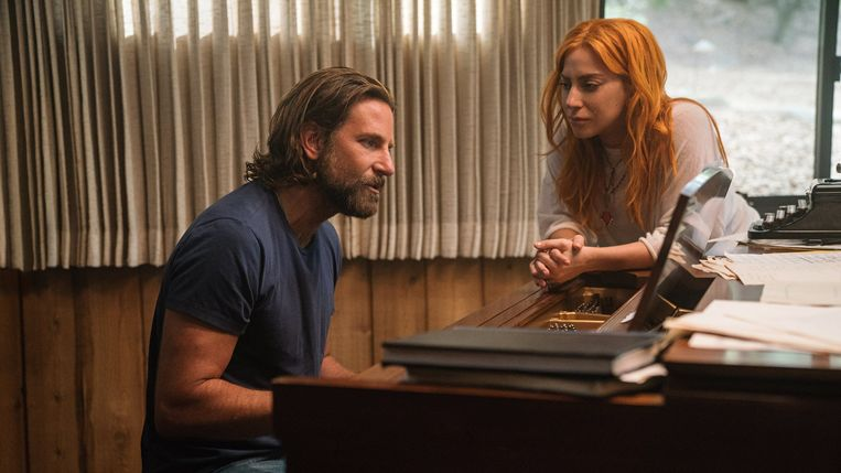 Bradley Cooper en Lady Gaga in A Star Is Born. Beeld imdb