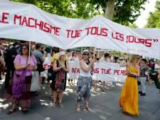 """Les femmes dans la rue à Paris pour dire """"stop"""" aux violences sexistes"""