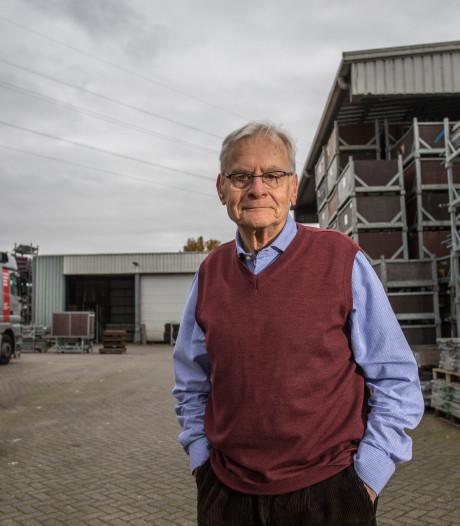 Focko de Zee schrijft boek over industrie in Lochem: 'Ik heb wel eens wat weggelaten, maar het is zeker geen reclameboek geworden'