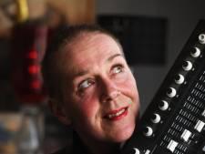 Beroepsgeïsoleerde Cathy bijt zich vast in de muziek: 'Elke twee weken een nummer is mijn doel'