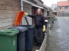 Mega-operatie: 30.000 papierkliko's uitdelen in Deventer. Geen plek? Deel container met de buren