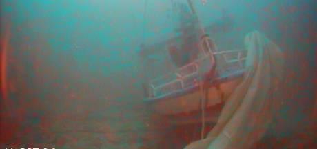Vrouw met baby in armen gevonden op zeebodem na scheepsramp