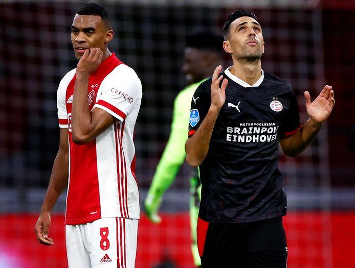 Ryan Gravenberch en Eran Zahavi. De Ajacied is geschorst voor het bekerduel met PSV.