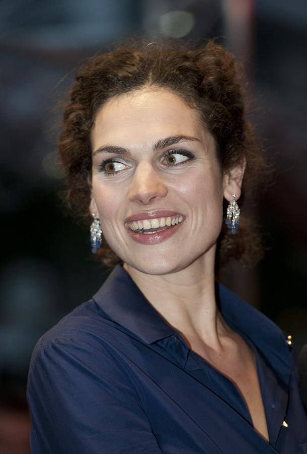 Actrice Anna Drijver is de nieuwe stem van Karwei.