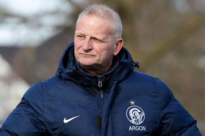 Argon-trainer Ron van Niekerk wil niet reageren op de aantijgingen.