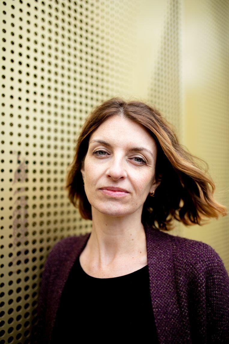 Michele Hutchison: 'Als vertaler ben je de trouwste lezer van het boek. Je leest het diverse keren om tot de diepte te komen.' Beeld Nosh Neneh