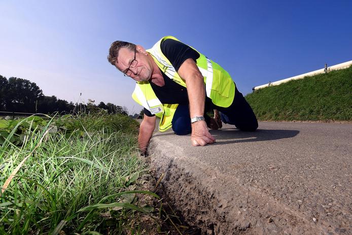 Fons van Tilburg van het Buurtpreventieteam Woensdrecht kaartte eind vorig jaar de slechte staat van de Grindweg aan.