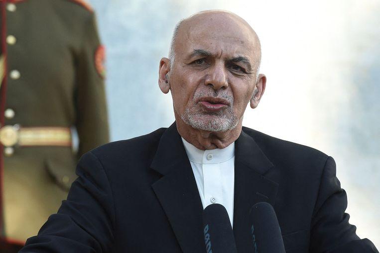 De troepen van de Afghaanse president Ashraf Ghani krijgen steeds meer aanvallen van de taliban te verduren.    Beeld AFP