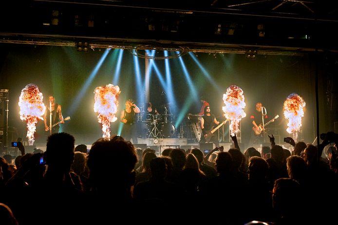 Optreden van Rammstein-coverband Stahlzeit in de Groene Engel.