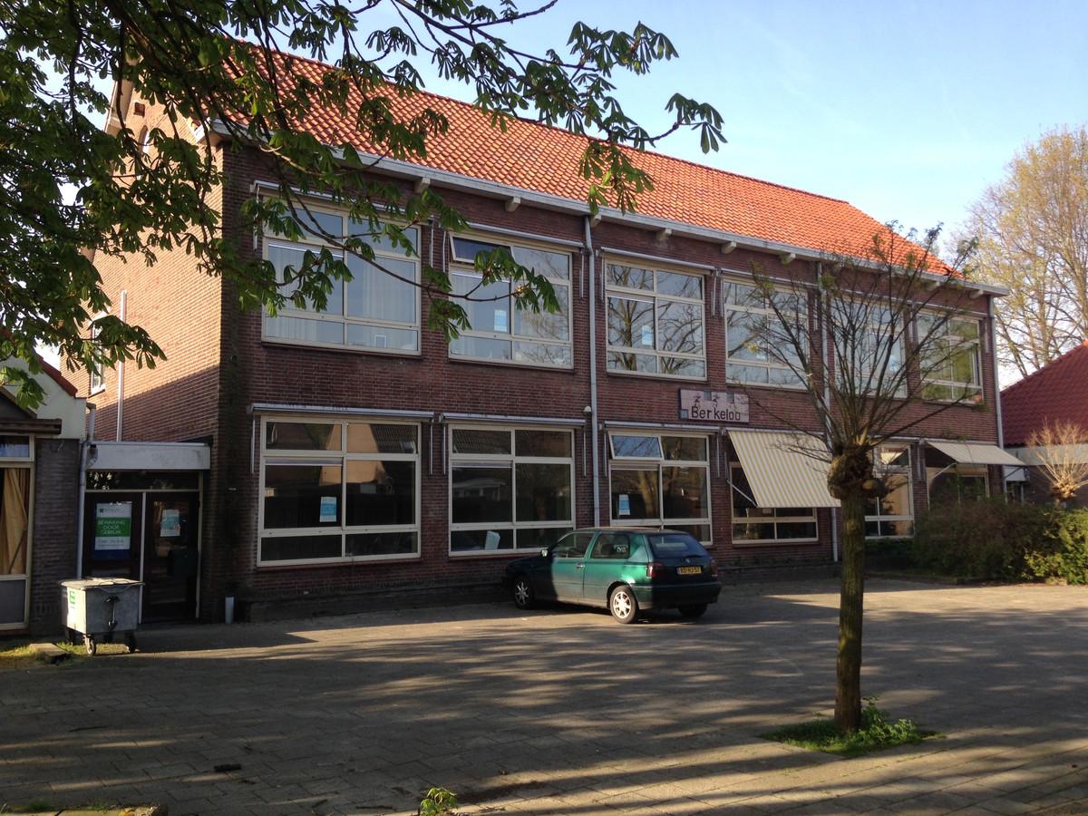 Voormalige gebouw basisschool Berkeloo wordt gesloopt om plaats te maken voor huurwoningen