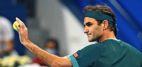 Federer is weer terug: Zwitser (39) wint bij eerste partij na veertien maanden
