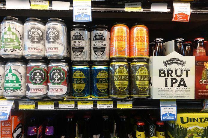 Drank in de winkel kopen, is veel voordeliger dan in een bar.