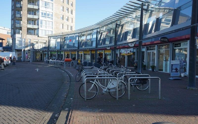 Winkelcentrum Snel & Polanen aan het La Fontaineplein in Woerden.