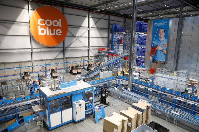 Het distributiecentrum van webwinkel Coolblue in Tilburg.