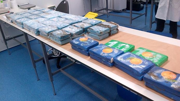 De politie vond 300 kilo cocaïne bij een transportbedrijf.