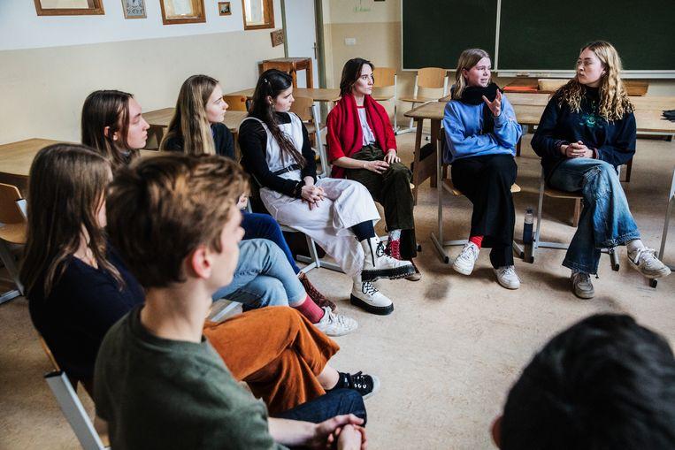 De leerlingen van Steinerschool De Es in gesprek over hun school en het hoger onderwijs Beeld Aurélie Geurts