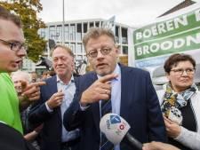 De struisvogelpolitiek van gedeputeerde Peter Drenth leidt ons almaar dieper het moeras in