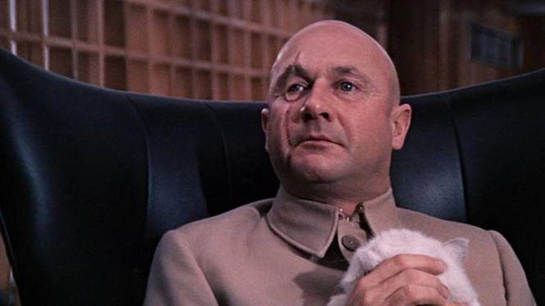 Donald Henry Pleasence in 1967 als de schurk Ernst Stavro Blofeld in de film You Only Live Twice Beeld Screenshot