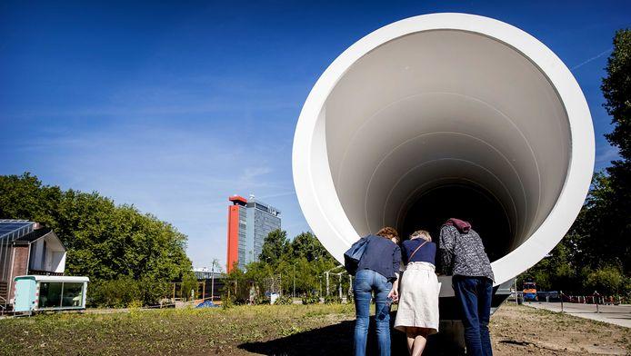 De eerste hyperloop testfaciliteit van Europa. Een 30 meter lange buis om op lage snelheid het futuristische vervoersysteem te testen.