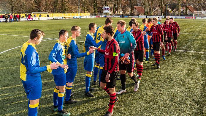 De derby Delden - Rood Zwart blijft staan in de vierde klasse B. Afgelopen seizoen werd er geen Deldense derby gespeeld door het vroegtijdig onderbreken van de competitie.