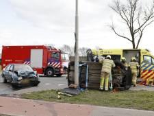 Auto belandt op zijkant door botsing op N224