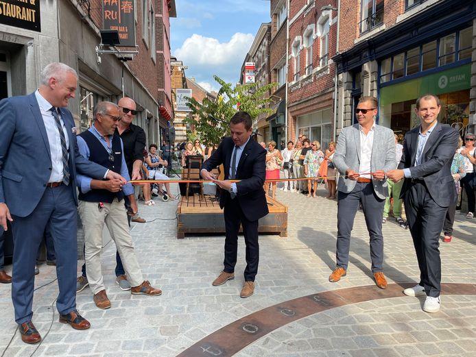Opening vernieuwde Winkelwandelstraat met uitgebreide voetgangerszone.