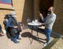 Kris Salden (rechts) zag leerlingen van alle afkomsten besmet geraken in zijn school.
