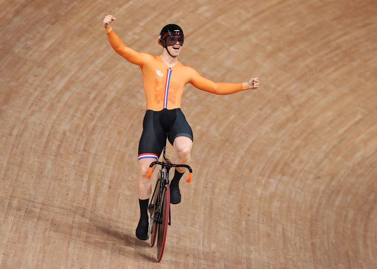 Harrie Lavreysen na het succes op de teamsprint. Beeld Getty Images