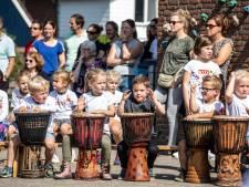 Aloysiusschool in Weerselo viert eeuwfeest met veel lawaai