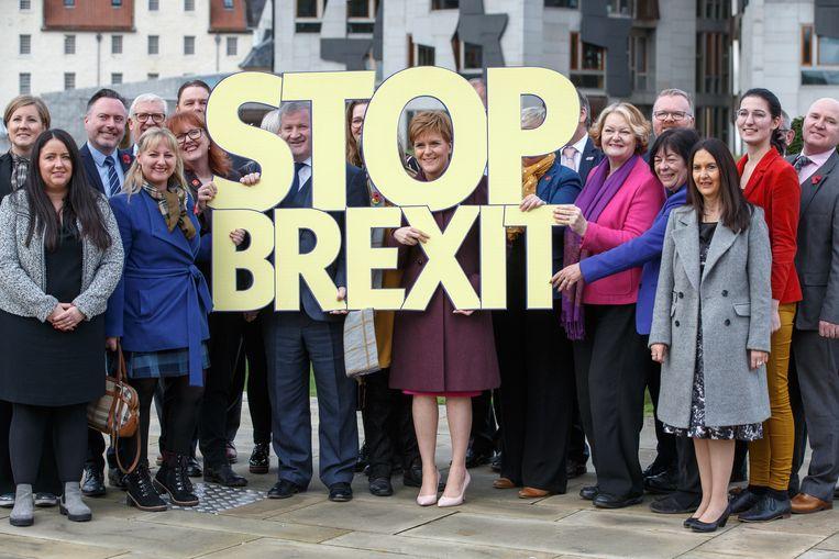 'Stop brexit' is het centrale campagnethema van de Schotse nationalisten. Beeld EPA