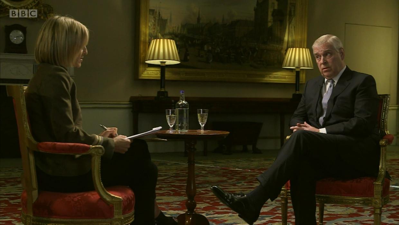 Prins Andrew tijdens een rampzalig BBC-interview. Beeld Reporters / Wenn