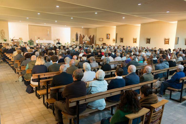 DIEST- de laatste misviering kerk Poelske