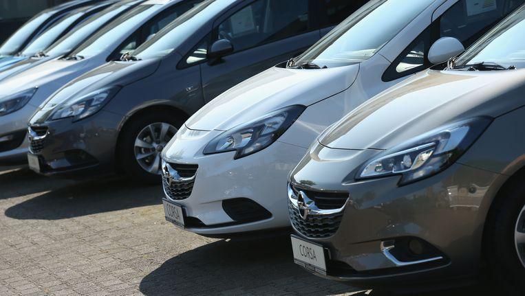 De Duitse autobouwer Opel biedt in eigen land premies tot 7.000 euro aan eigenaars van oude diesels die een nieuwe Opel kopen. Beeld getty