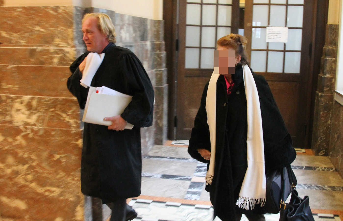 Rolande V.R., de partner van Jean Vercarre  is vrij onder toezicht.