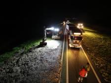 Beruchte N50 tussen Emmeloord en Zwolle weer vrij van slachtdrab uit gekantelde vrachtauto