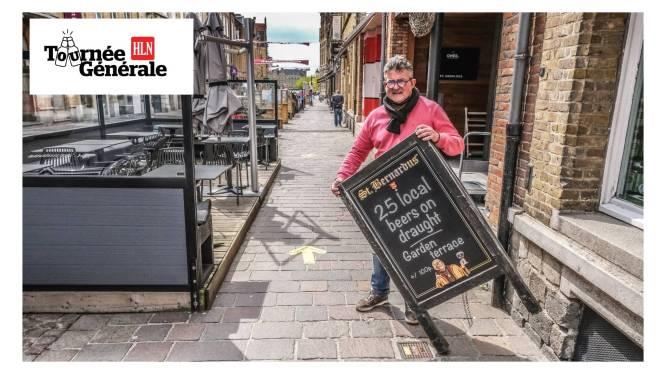 """Bij biercafé Sint-Arnoldus stroomt zaterdag vers gerstenat door tapkranen, na lange sluiting: """"Véél vaten vervallen, maar ik mag ze gratis omruilen"""""""