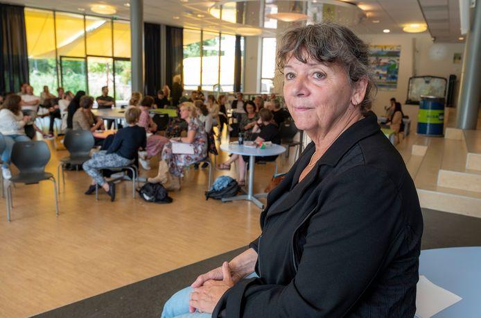 Notre Dame-directeur Marij van Deutekom is begonnen aan haar laatste schooljaar. Ze stopt bij het ingaan van de volgende zomervakantie.