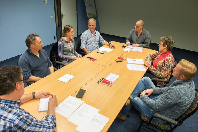 Vlnr Henk den Ridder, Kees Rombouts, Demi Eestermans, Jan Eestermans, Ad Goddrie, Froukjen Smeding en Ivo de Groot.