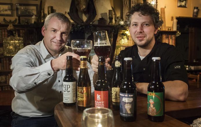 Begieneman (rechts)  van Bar Bistro d'Olde Smidse en Arjan Voortman van de Mitra. Samen richtten ze eerder het Goorse Speciaalbieren Gilde op.