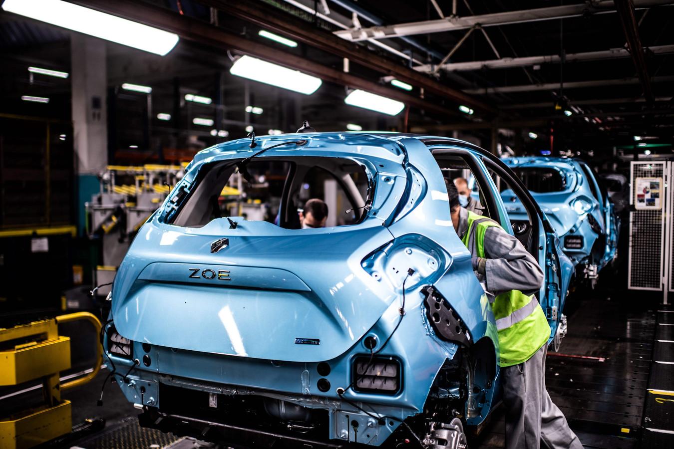 De productielijn van de elektrische Renault Zoe én de Nissan Micra in Flins-sur-Seine, de grootste fabriek van Renault in Frankrijk.