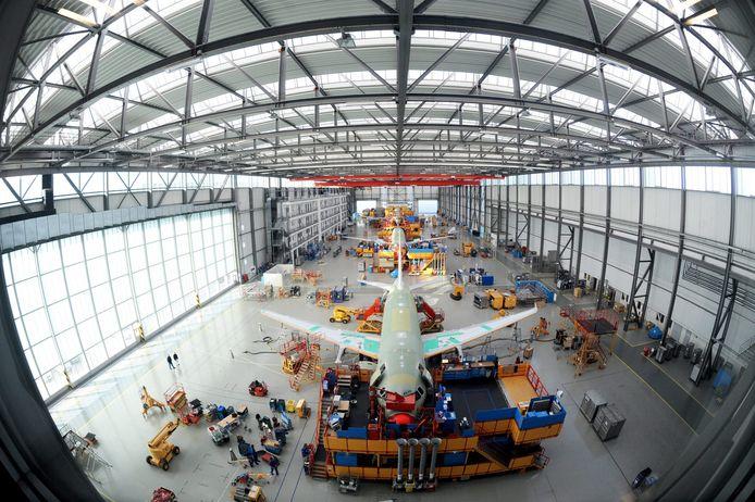 Een fabriekshal van Airbus in het Duitse Hamburg.