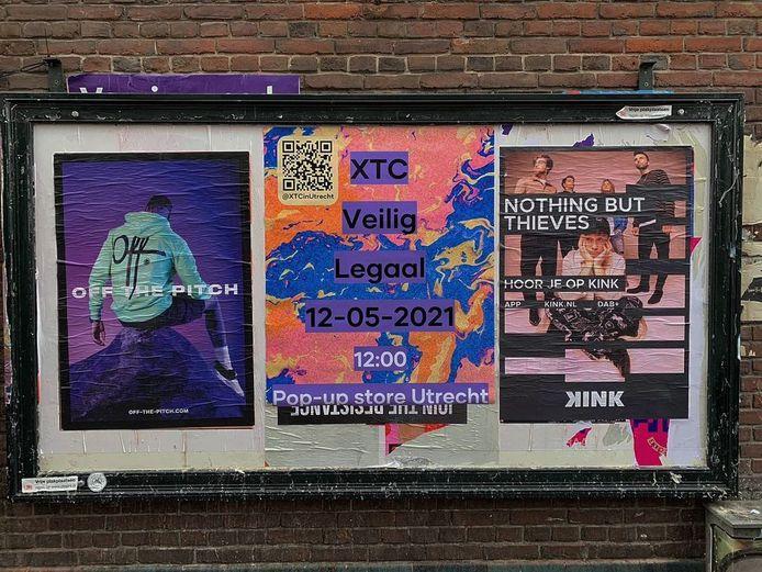 Poster die de opening van de xtc-winkel aankondigt.