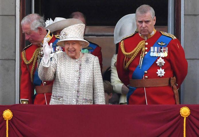 Prins Andrew en koningin Elizabeth.