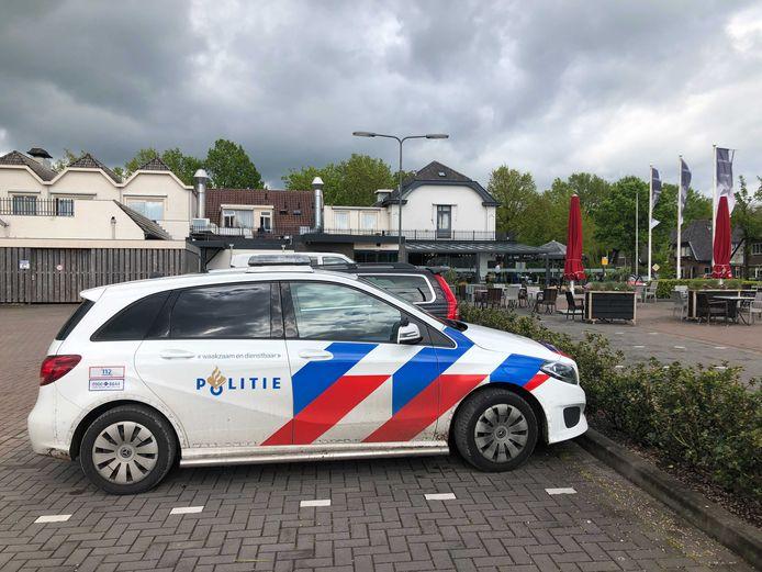 De politie doet onderzoek in Woudenberg.